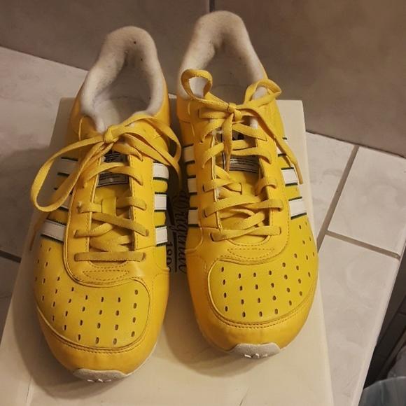 Adidas zapatos zapatillas de deporte por poshmark amarillo mostaza
